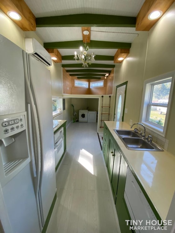 """""""The Ivy Cottage"""" 40' Tiny House on Wheels with 436 sq ft living space - Slide 19"""