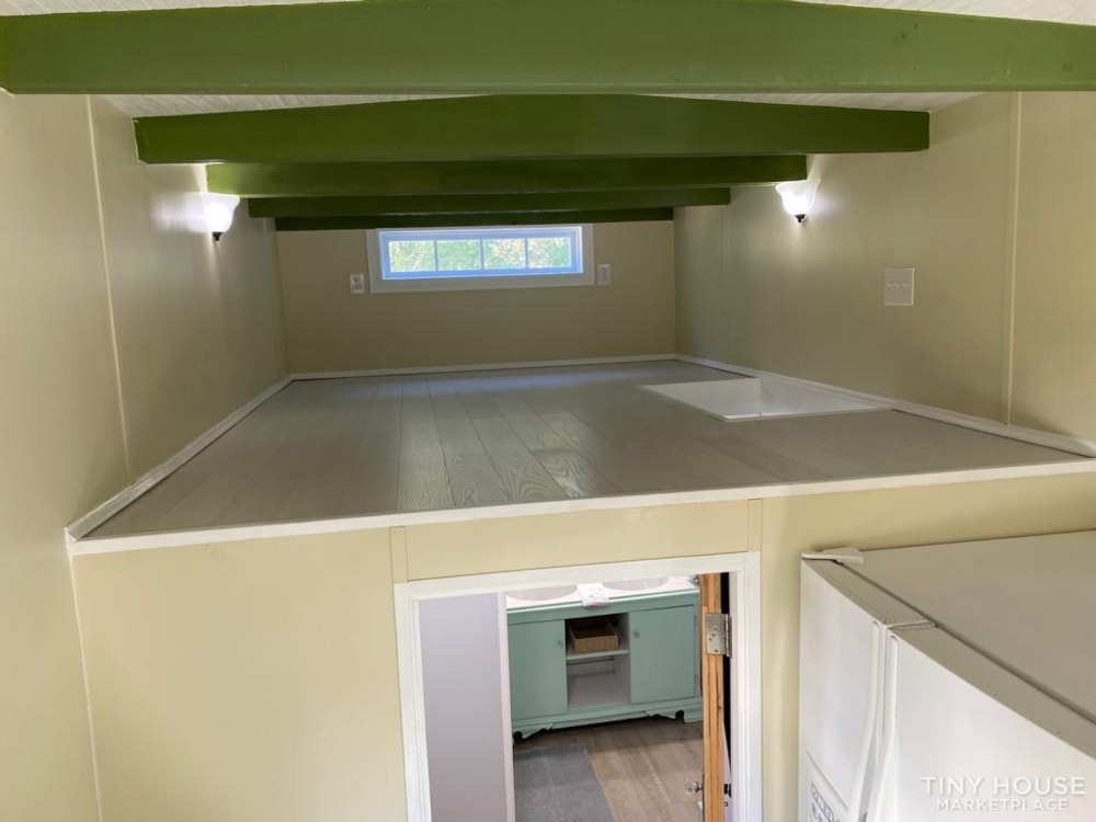 """""""The Ivy Cottage"""" 40' Tiny House on Wheels with 436 sq ft living space - Slide 39"""