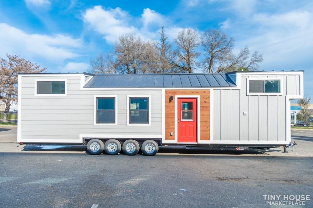 10' x 40' Luxury Craftsman Style Tiny Home (Made To Order) - Slide 1