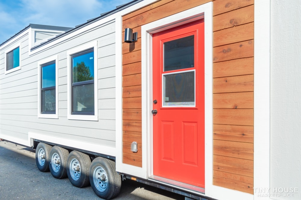 10' x 40' Luxury Craftsman Style Tiny Home (Made To Order) - Slide 2