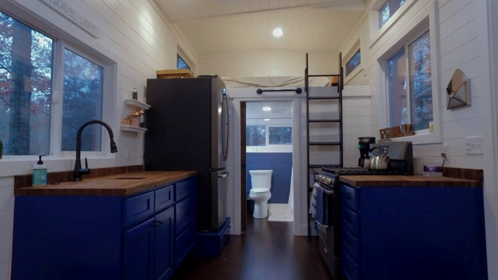 10x30 GORGEOUS Tiny House For Sale - Slide 4