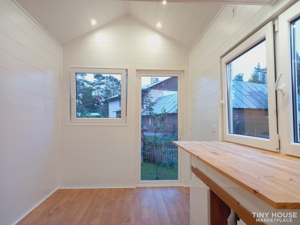 12.5 square meters tiny house - Slide 7