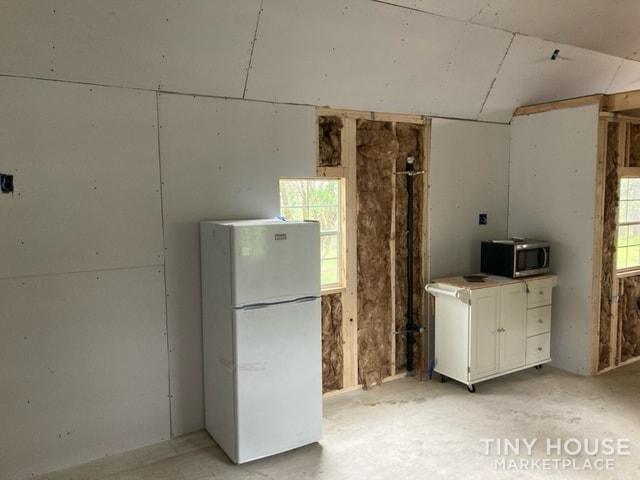 14 x 40 Tiny Home - Slide 3