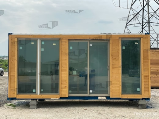 """20 ft Container - """"The Olmos"""" Model"""