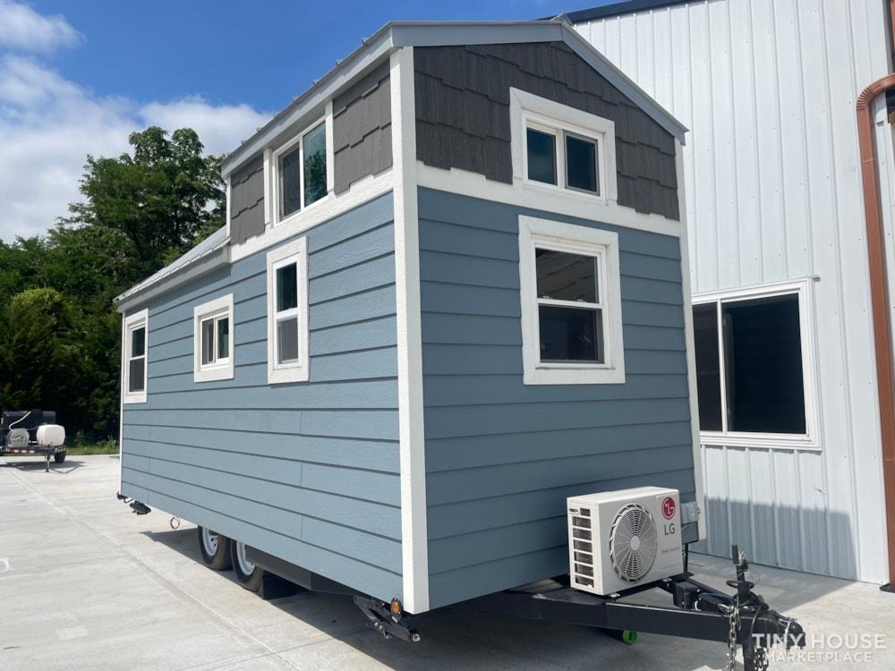 20' Tiny House on Wheels - Slide 3