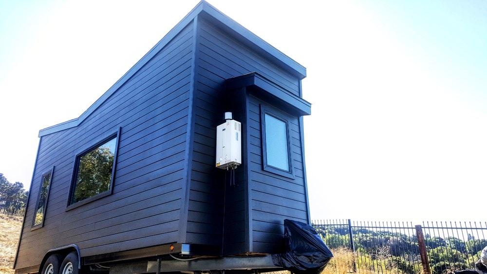 Brand new Contemporary Tiny House - Slide 2