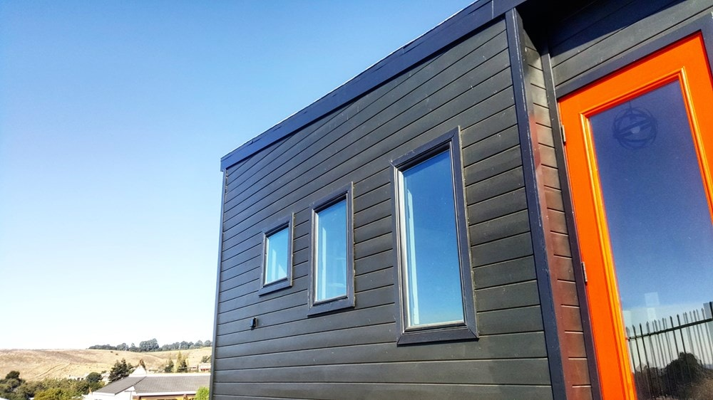 Brand new Contemporary Tiny House - Slide 3