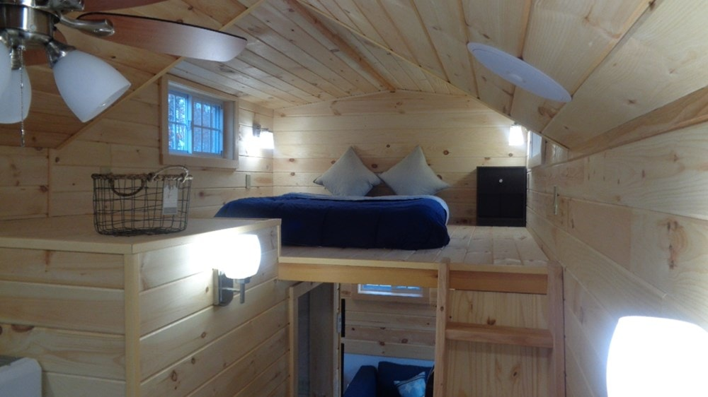 Luxury Tiny House at a Affordable Discount Price - Slide 4