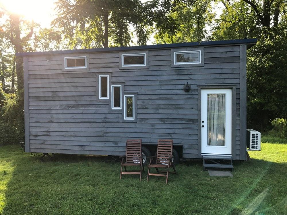 Rustic 24' Tiny House - Built June 2017 - Slide 1