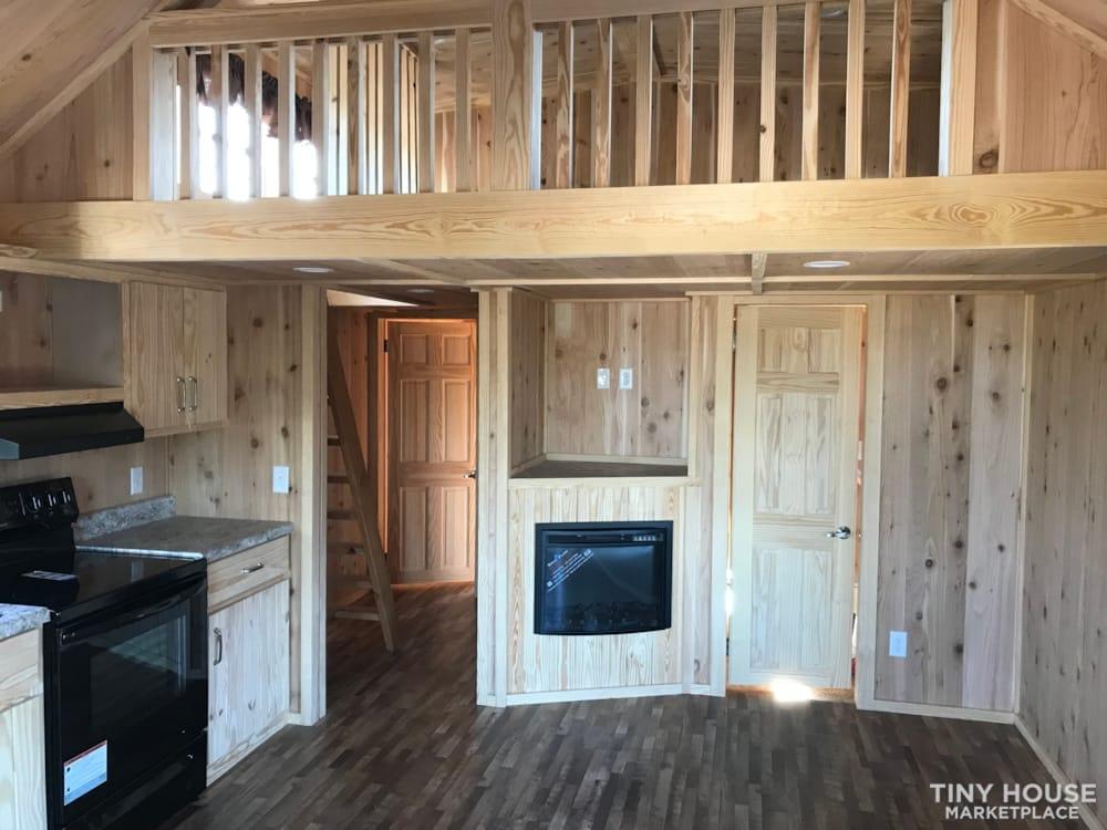 2018 Custom Built 37' Tiny Home Trailer 1 bedroom w/ sleeping loft  - Slide 10