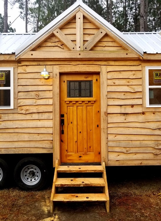Rustic Goosneck Tinyhouse 39ft - Slide 4