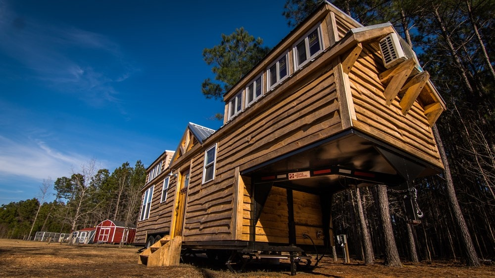 Rustic Goosneck Tinyhouse 39ft - Slide 3