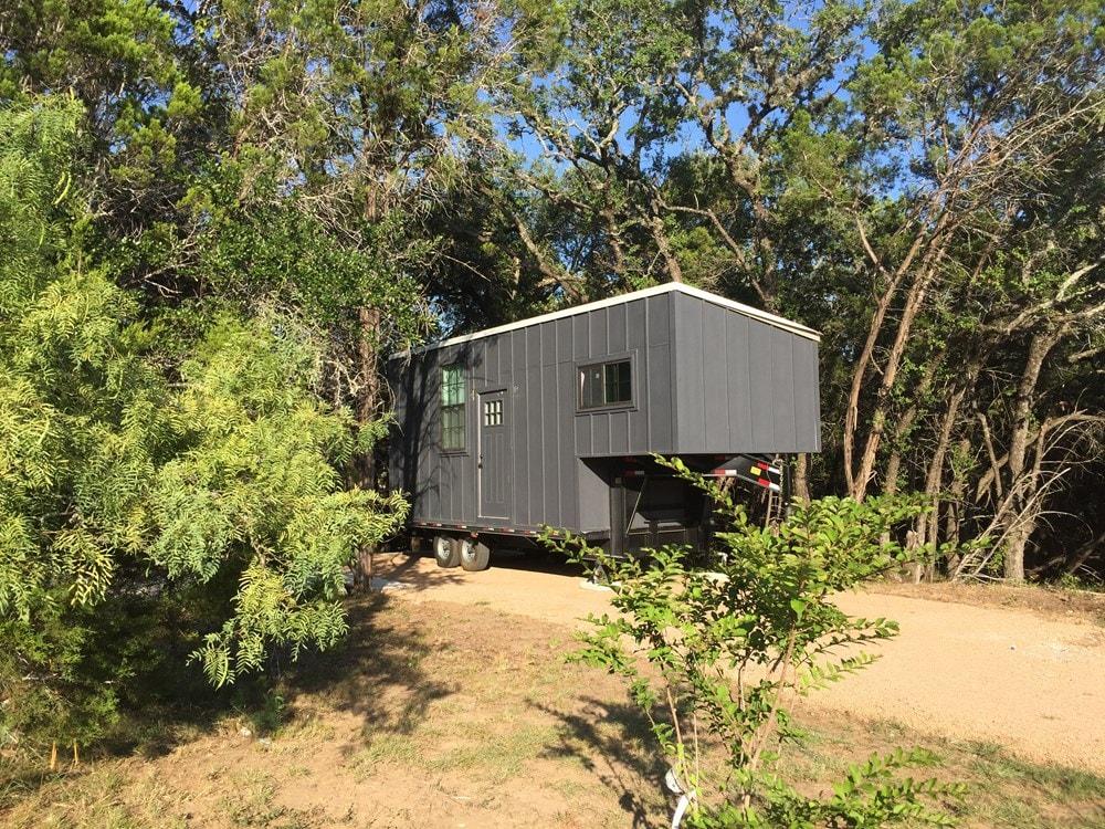26' Gooseneck Tiny House - Slide 3