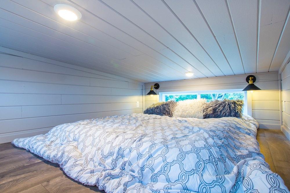 Modern Tiny Home! Ultra Lightweight! We Deliver!  - Slide 6