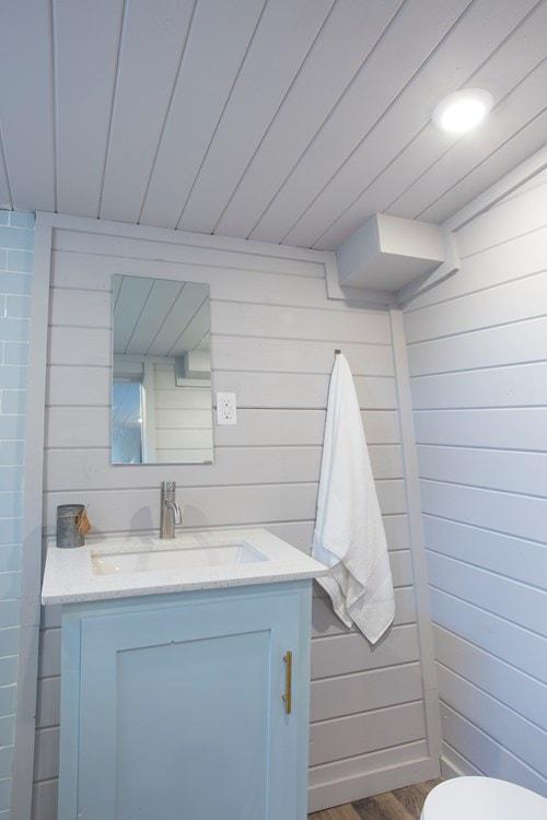 Modern Tiny Home! Ultra Lightweight! We Deliver!  - Slide 10