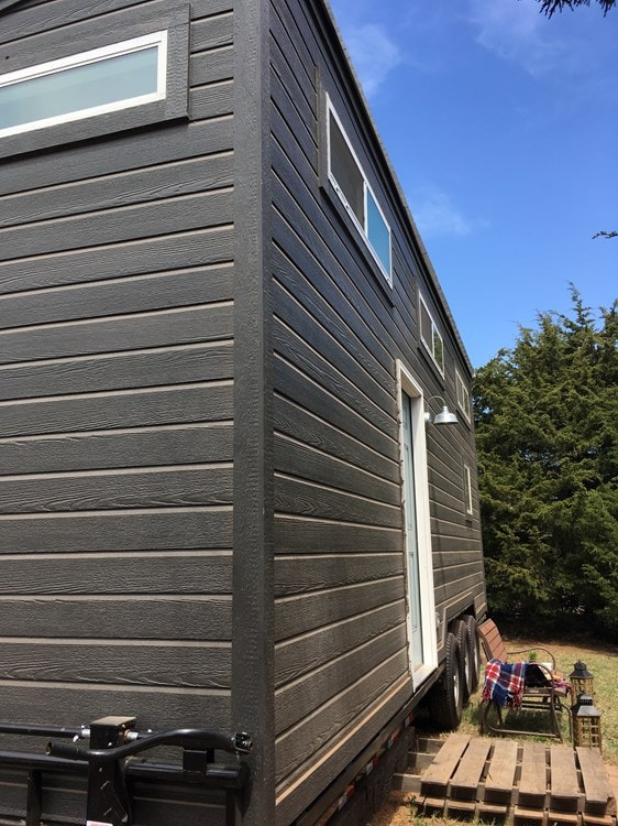 Beautiful 28ft Custom Tiny House - Slide 2