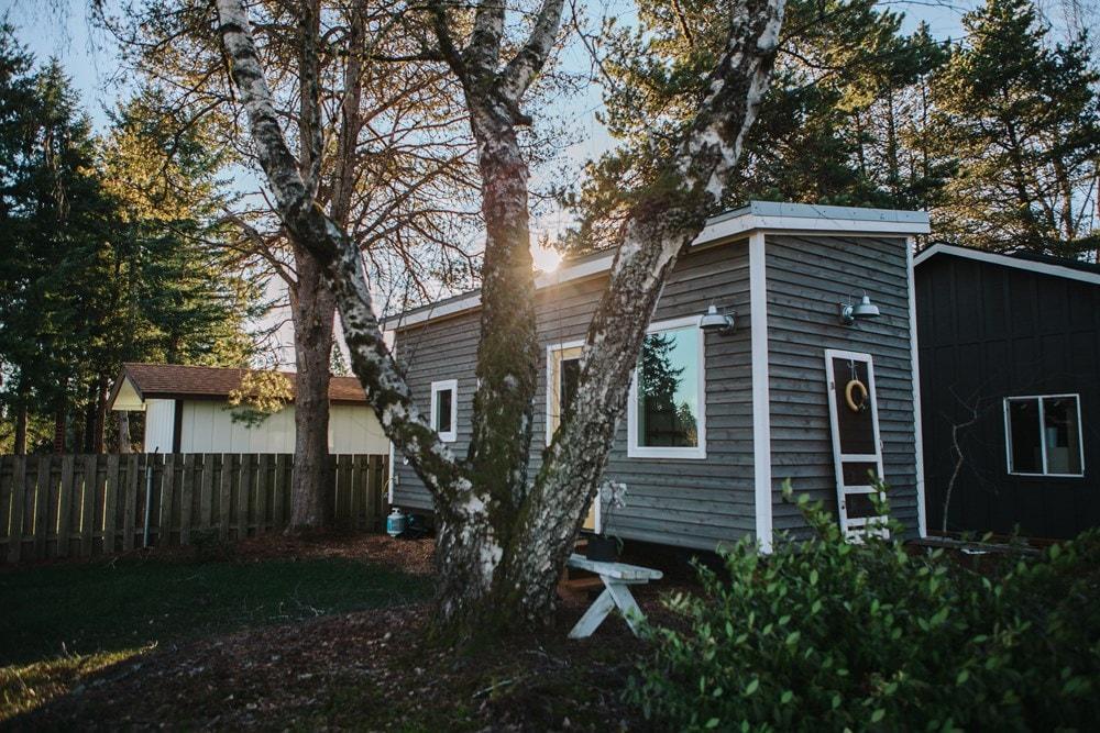 Beautiful Tiny Home  Portland, OR - Slide 1