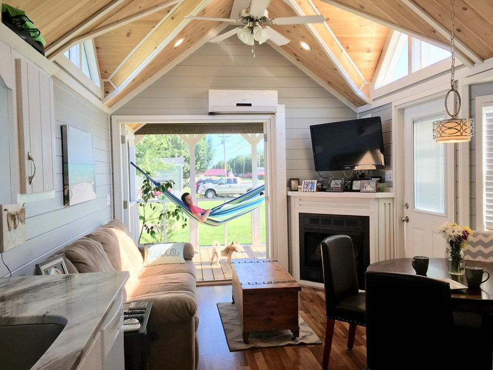 Tiny House for sale in Alabama- Fully Furnished! - Slide 1