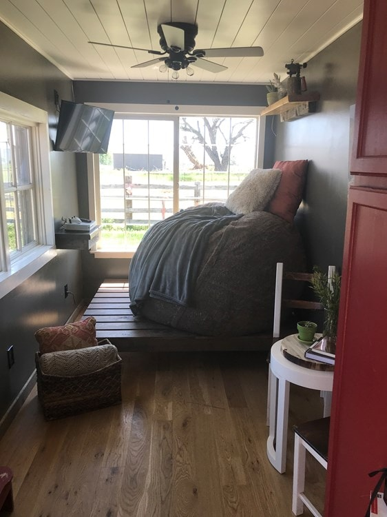 Quaint Shipping Container Home  - Slide 2
