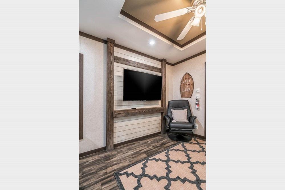 Apex Cabin   Design Your Tiny Home - Slide 8