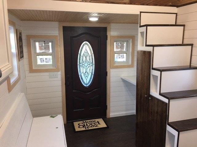 Cedar Tiny Home 24' - Slide 5