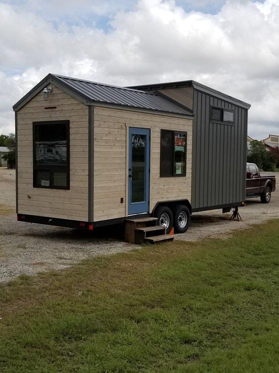 Tiny House; Quality custom construction - Slide 2