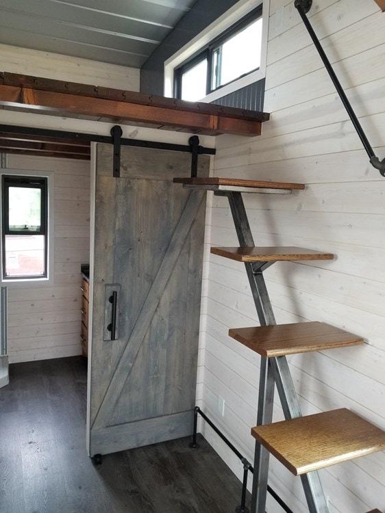Tiny House; Quality custom construction - Slide 7