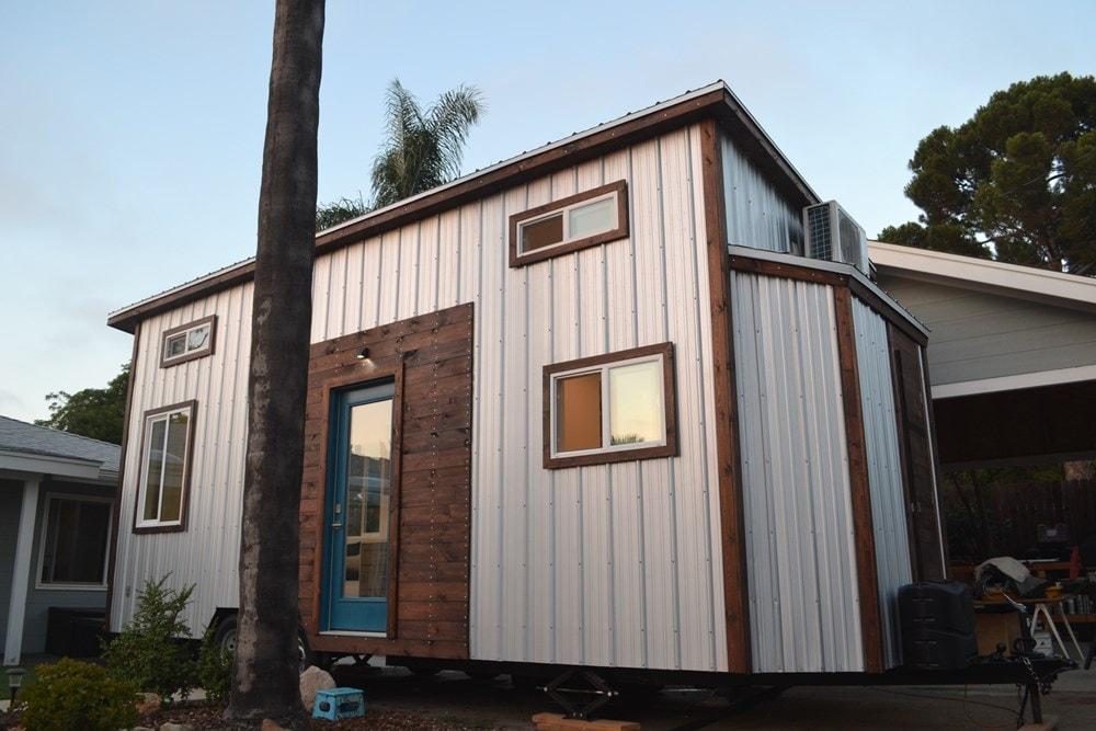 Steel Framed 24' Custom Modern Tiny Home - Slide 1