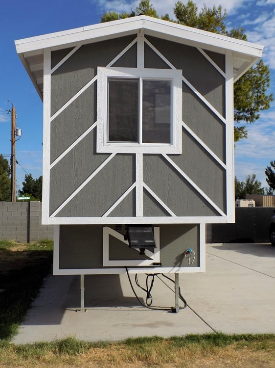 TINY HOUSE ON WHEELS LETS MAKE A DEAL - Slide 9