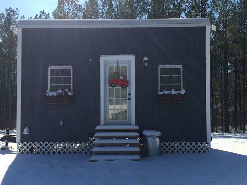 Farmhouse Chic Tiny House in Alabama, Move In Ready - Slide 1