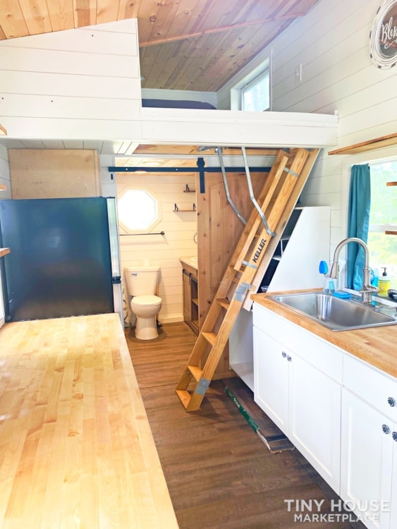Cozy Airbnb or Rental Tiny Home! - Slide 4