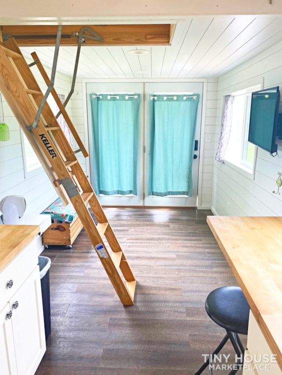 Cozy Airbnb or Rental Tiny Home! - Slide 7