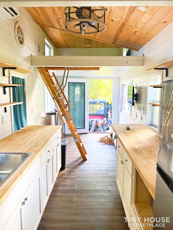 Cozy Airbnb or Rental Tiny Home! - Slide 8