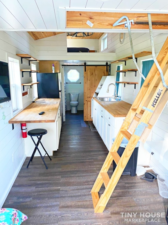 Cozy Airbnb or Rental Tiny Home! - Slide 14
