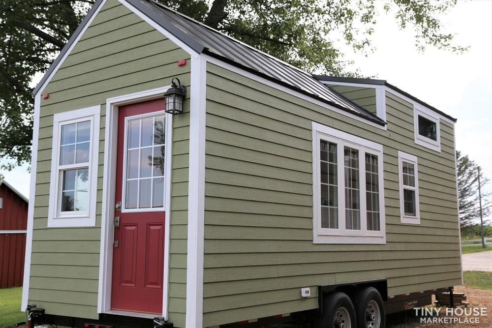 24 ft Tiny House on Trailer - Professionally Built and Third Party Inspected - Slide 3