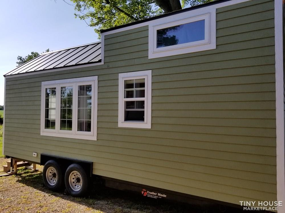 24 ft Tiny House on Trailer - Professionally Built and Third Party Inspected - Slide 4