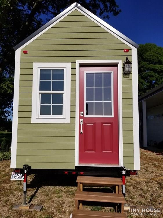24 ft Tiny House on Trailer - Professionally Built and Third Party Inspected - Slide 5