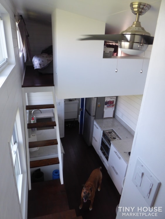 24' modern and open tiny house - Slide 10