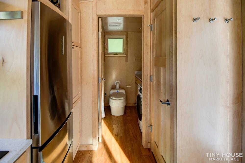 25' Custom RV/Tiny Home - Slide 8