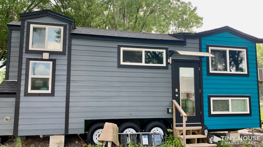 26ft Modern Tiny House built  2018 RVIA certified. High End Luxury Finishes. - Slide 2