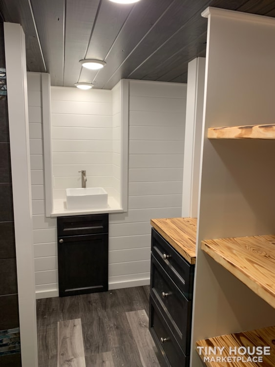 26ft Modern Tiny House built  2018 RVIA certified. High End Luxury Finishes. - Slide 4