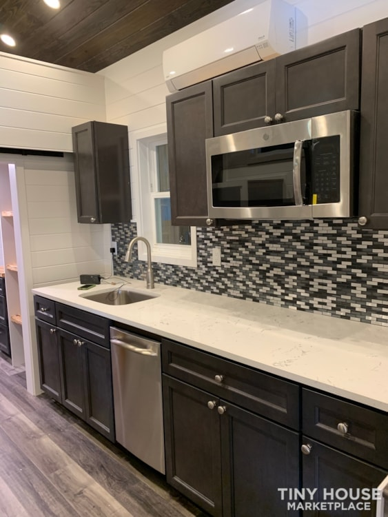 26ft Modern Tiny House built  2018 RVIA certified. High End Luxury Finishes. - Slide 6
