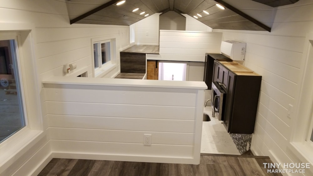 26ft Modern Tiny House built  2018 RVIA certified. High End Luxury Finishes. - Slide 8