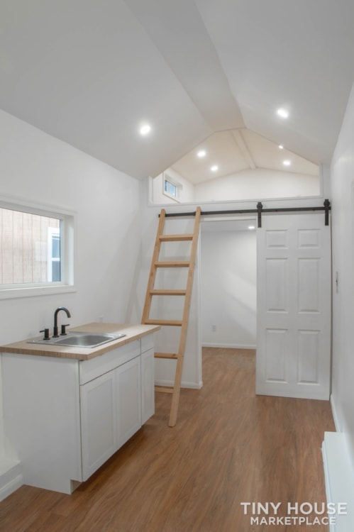 28ft Lisa Tiny Home on Wheels  - Slide 6