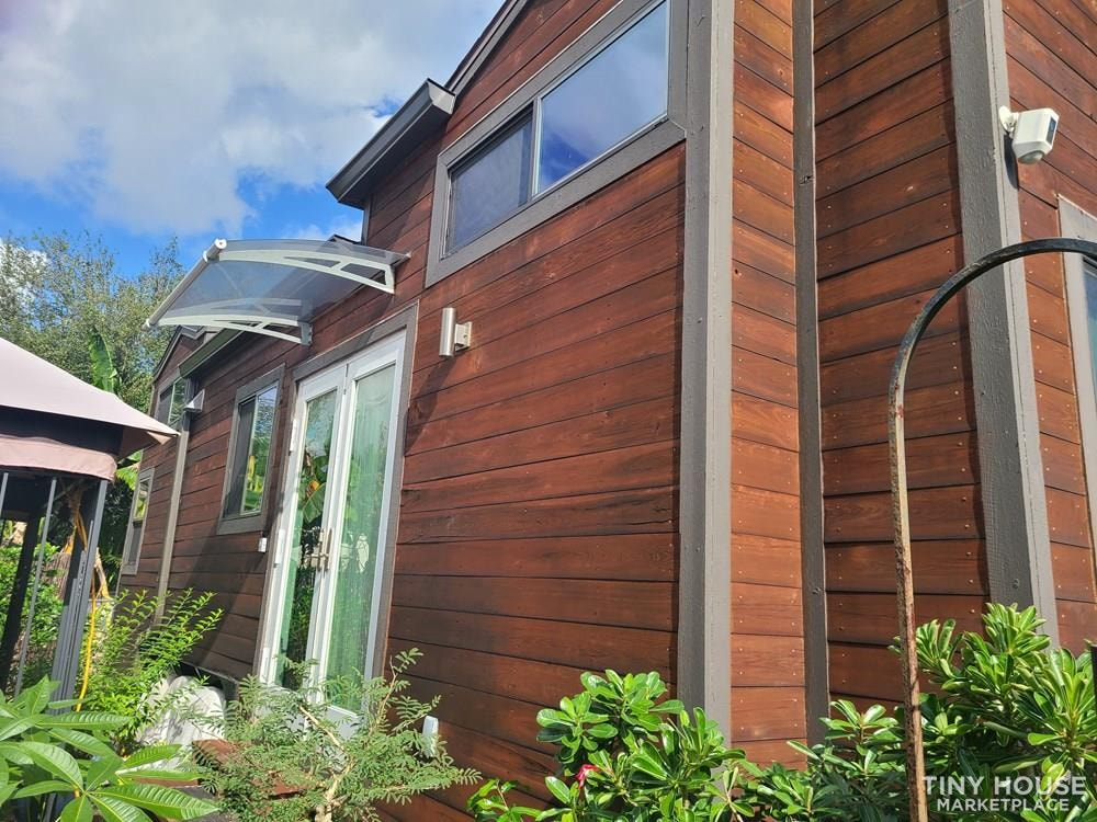 28ft Luxury Tiny House - Slide 1
