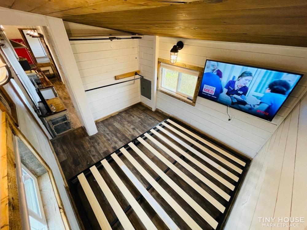 320 SqFt Home Style Sweet Tiny Home - Slide 29