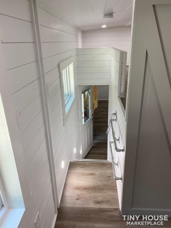 34' Coastal Farmhouse  - Slide 25