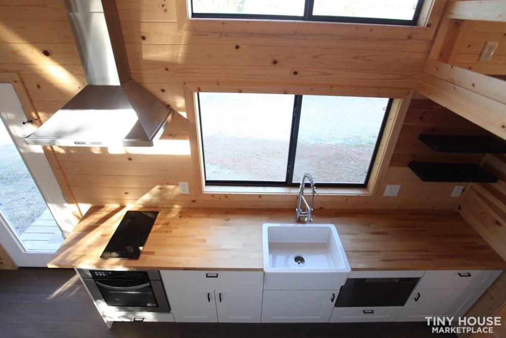 36' Modern Cabin - Nomad Tiny Homes - New - Dual loft - 21k trailer - Warranty - Slide 3