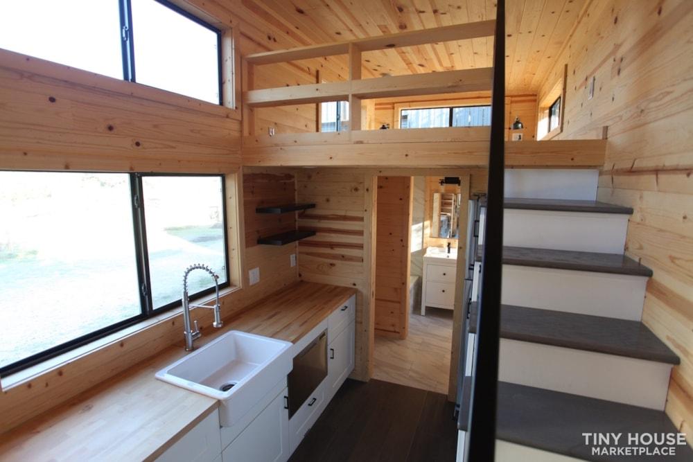 36' Modern Cabin - Nomad Tiny Homes - New - Dual loft - 21k trailer - Warranty - Slide 7