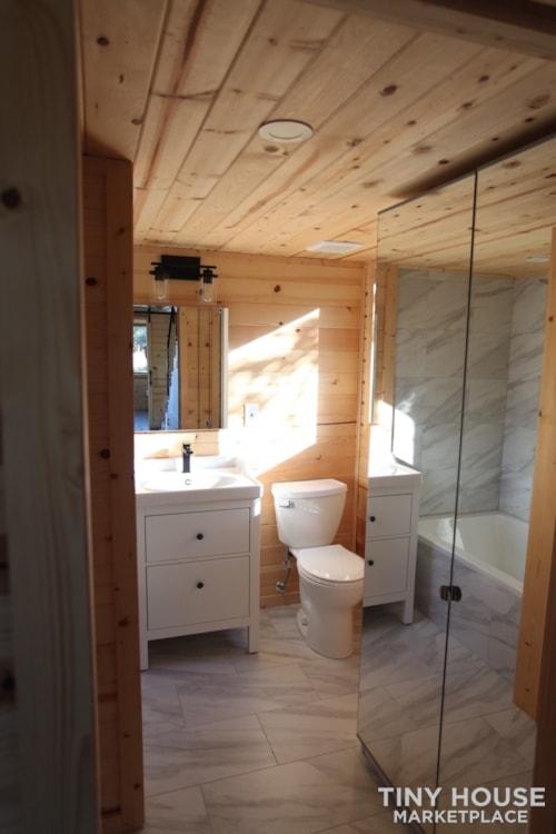 36' Modern Cabin - Nomad Tiny Homes - New - Dual loft - 21k trailer - Warranty - Slide 8